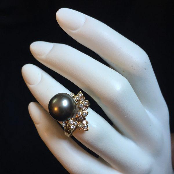 South sea pearl diamond jewelry @SelectionCoste.com