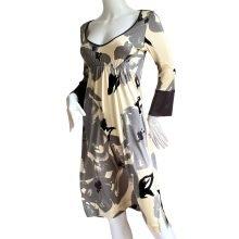neutral-floral-printed-silk-jersey-flora-kung-kimono-dress--